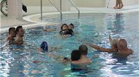 Osobama sa invaliditetom održana edukacija plivanja i korištenja bazena Merkur