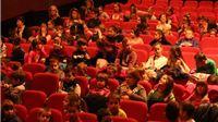 Osnovnoškolci iz Gradine i pripadajućih područnih škola pogledali predstavu za djecu Palc sim, palac tam