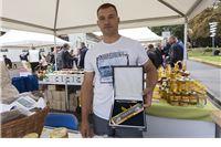 """Pčelarskom obrtu """"Jakupec"""" iz Virovitice Zlatna žlica Agroexpa za med od facelije"""