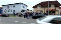 Prosvjed  ispred policijske postaje u Slatini : Povod napada je mržnja, mi smo za njih Šiptari s Kosova