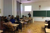 U okviru suradnje Zavoda za javno zdravstvo i Sveučilišta u Osijeku Siniša Brlas održao predavanje o mentalnom zdravlju i ovisnostima