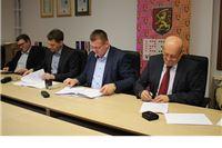 Gradonačelnik Virovitice Ivica Kirin potpisao s izvođačima ugovore o izvođenju radova na COOR-u