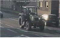 Policija traži vozača traktora, skrivio prometnu u Virovitici i pobjegao