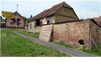 Jedna od najstarijih kuća u Slatini tiho nestaje