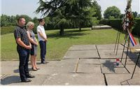 Povodom obilježavanja Dana antifašističke borbe delegacija Grada Virovitice položila vijenac na spomen obilježju palim borcima NOR-a