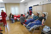 U Crvenom križu srednjoškolci darivali krv