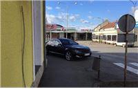 Evo ga opet! Građani novinarima šalju fotke nepropisno parkiranog Đakićevog me...