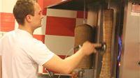 U Pikitu se jede najkvalitetniji kebab u gradu. Meso je odlično pečeno, umak ukusan, povrće svježe