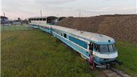 Boris Kržić i Siniša Sudar čuvaju stare lokomotive od izumiranja. Mjere ih pa ...