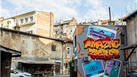 Genijalni grafit naslova Amazing Zagreb smješten u jednom zagrebačkom dvorištu   Jedan od autora Virovitičanin Kismo