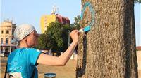 Iva Anzulović oslobođena optužbe da je transparentom i porukama na stablima narušavala red i mir, sud kaže da je to sloboda izražavanja