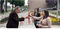 Siniša Prpić obilježio Dan slobode medija: Novinarkama ruže a urednici Informativnog centra - i kaktus