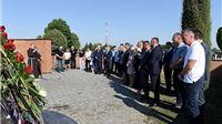 Povodom Dana Grada položeni vijenci i zapaljene svijeće kod Spomen obilježja hrvatskim braniteljima