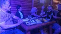 Književna Vika u Pubu: Ero čitao priče, Zrinka i Žarko pjesme; svirali Marko Teskera i Milko Kiš