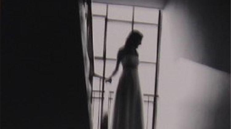 """Ljubavni stihovi, gitara Marka Teskere i izložba fotografija """"Dok nas smrt ne rastavi"""" Matije Turkalja. Dođite!"""